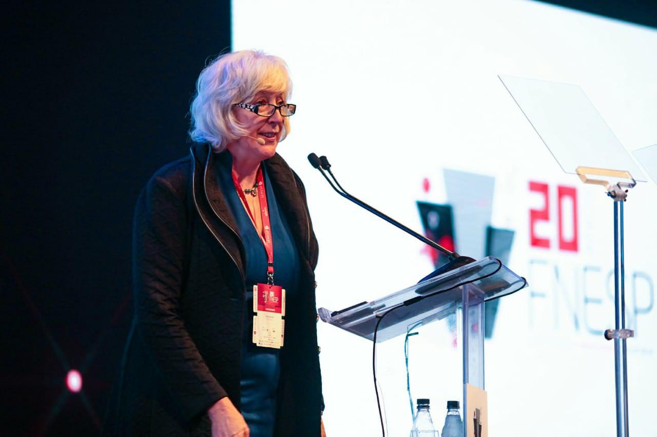 Liz McMillen no FNESP